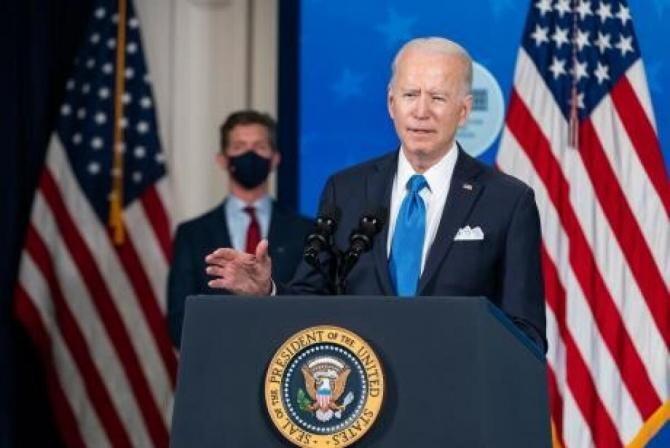 Biden le interzice agenţiilor federale să folosească formula 'străin ilegal' despre migranţi