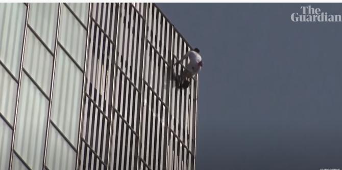 Cascadorul George King, arestat după ce a escaladat fără echipamente de siguranţă una dintre cele mai înalte clădiri din Europa - Captură Video The Guardian