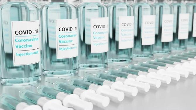 CNCAV: 511.290 doze de vaccin Pfizer sosesc luni în România