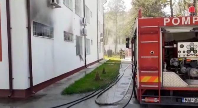 Incendiu la Slatina. Linie telefonică deschisă pentru rudele pacienţilor Secţiei de Psihiatrie a SJU