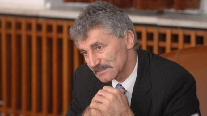 Ioan Oltean și încă șase foști parlamentari își cer pensiile speciale înapoi