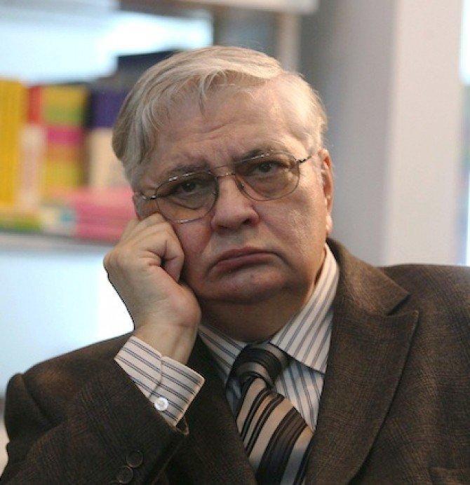 Mircea Coșea:  Trebuie reduse cheltuelile, iar asta înseamnă: înghețarea pensiilor, salarii mai mici pentru bugetari, creșteri și introduceri de noi impozite