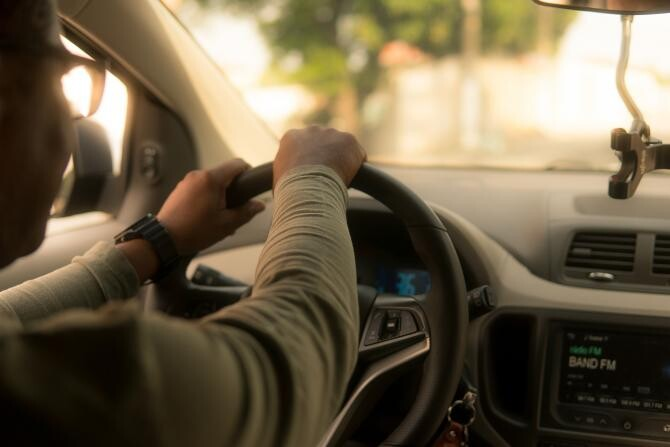 Șofer Uber, agresat de un taximetrist nervos. I-a distrus mașina  /  Foto cu caracter ilustrativ: Pixabay