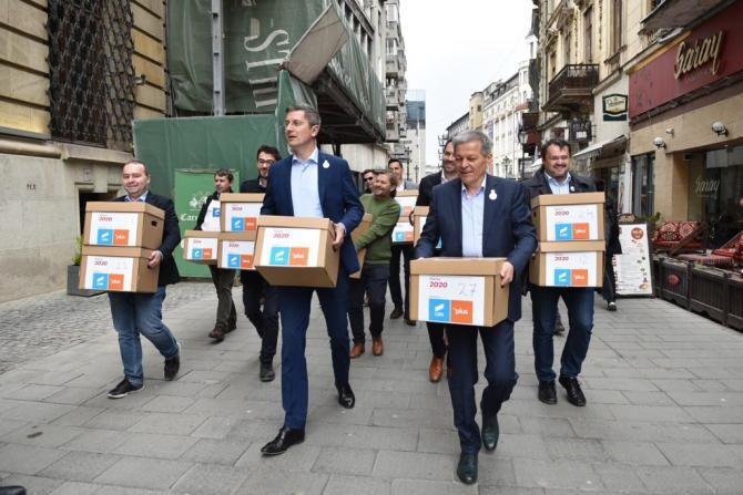 Propunerea pentru funcţia de ministru al Sănătăţii, anunţată de USR PLUS / Facebook Dacian Cioloș