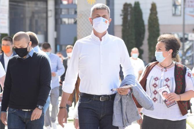 Demitere Voiculescu și Moldovan. PSD Constanța: Barna, acest mare specialist în tastat, s-a conformat  /  Sursa foto: Facebook Dan Barna
