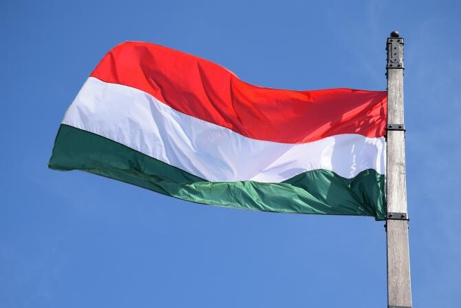 Sentință definitivă. Drapelele maghiare din clădirea primăriei din Odorheiu Secuiesc trebuie îndepărtare  /  Sursă foto: Pixbay