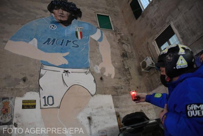 Tricoul 'o dată în viaţă' purtat de Maradona, scos la licitație / Video