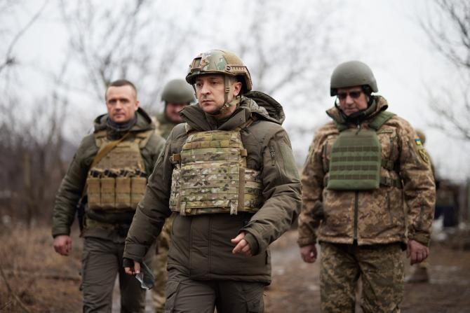Zelenski a mers pe front în Donbas: Armata e obligată să apere țara  /  Sursă foto: Facebook Volodymyr Zelenski