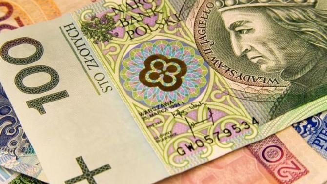 Zlotul, la cea mai scăzută valoare din 12 ani față de euro
