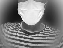 OMS a decis unde trebuie ca vaccinații să poarte mască după ce SUA s-au grăbit să o dea jos peste tot