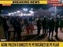 Poliția îi gonește de pe plajă pe petrecăreții din Vama Veche