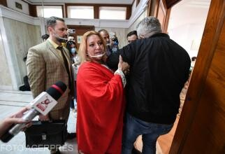 Klaus Iohannis i-a luat pâinea de la gură Dianei Șoșoacă. Noi oportunități de muncă pentru senatoare