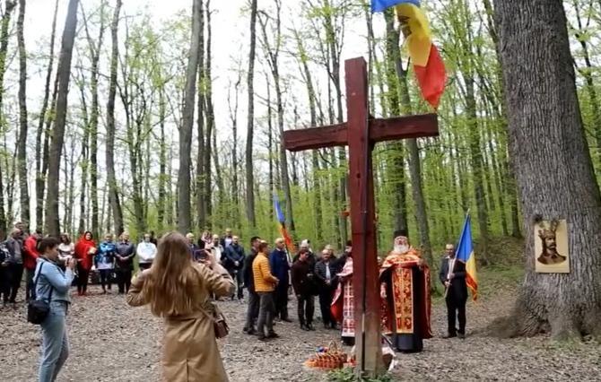 A doua zi de Paști. Comemorare la stejarul lui Ștefan cel Mare din Codrii Cosminului / Sursă foto: Captură Facebook