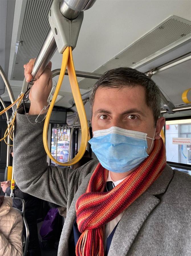 Barna: Primarul Chirica, deşi nu mai are geacă roşie, ci galbenă, a păstrat reflexe pesediste