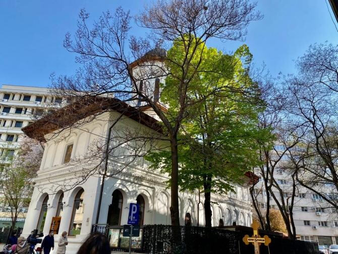2. Biserica S... (biserica-sfantul-nicolae_77007400.jpg)