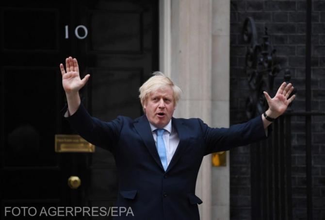 Boris Johnson, nuntă în secret. Prima fotografie cu proaspăta soție mai tânără cu 23 de ani
