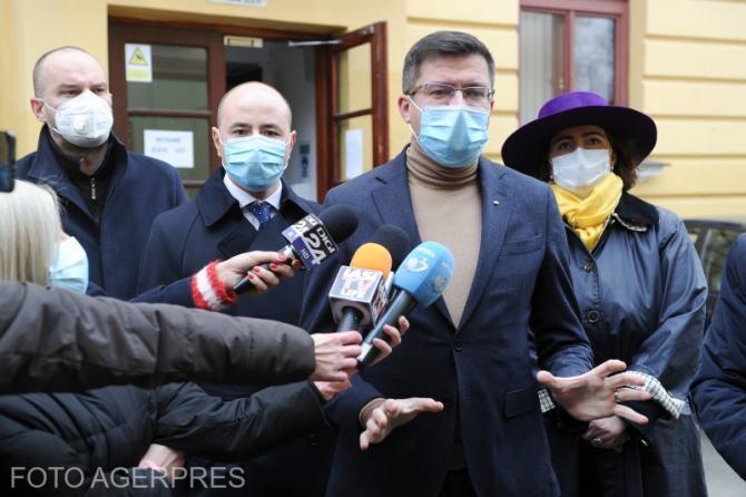 Costel Alexe contestă în instanţă controlul judiciar în dosarul în care este acuzat de DNA că a primit mită 22 de tone de tablă