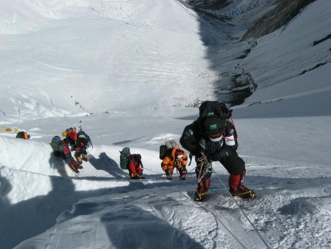 """""""Ascensiunea pe Everest. Orădeanul Csaba Varga a trebuit să se întoarcă din cauza unei avalanșe""""  /  Foto cu caracter ilustrativ: Pixabay"""