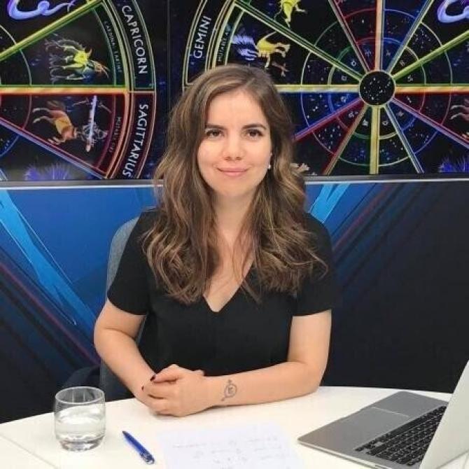 Facebook Daniela Simulescu