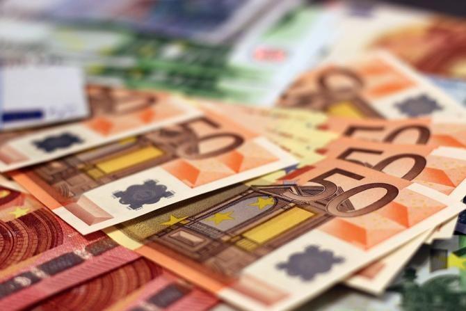 Momentul în care EURO va depăși pragul critic de 5 lei. Foto: Pixabay
