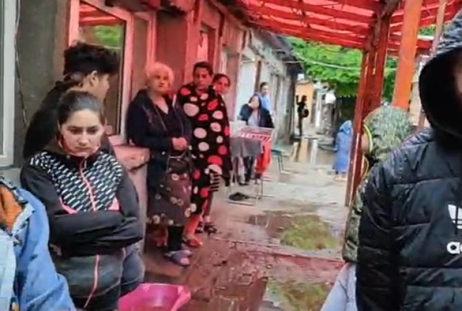 Primăria Cluj evacuează familii cu copii cu handicap  /  Sursă foto: Captură Facebook
