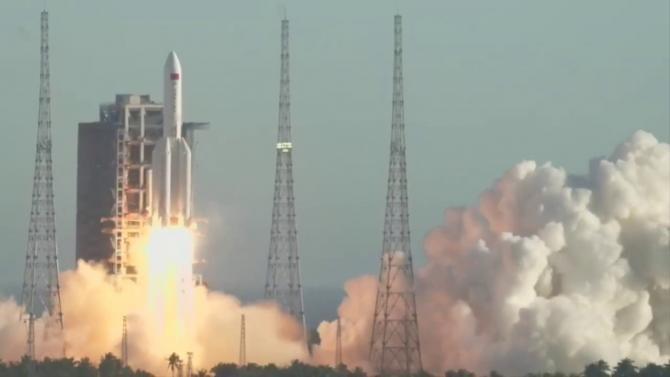 Lansarea rachetei chineze Long March 5B, sursă foto: YouTube SciNews