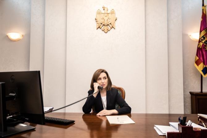 Maia Sandu acuză Ministerul de Interne al statului pe care îl conduce că îi urmărește familia la comanda lui Dodon  /  Sursă foto: Facebook Maia Sandu