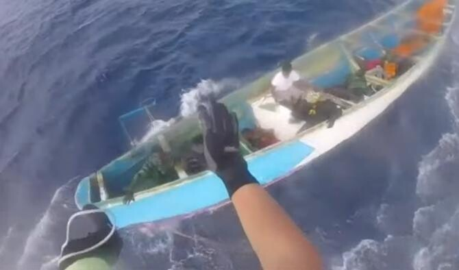 O tânără a supraviețuit miraculos trei săptămâni fără mâncare și apă, pe o barcă în Atlantic  / Sursă foto: Captură Youtube