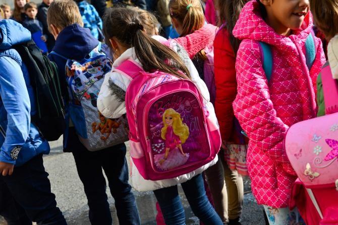 Părinții vor putea participa la festivitățile de sfârșit de an școlar ale copiilor dacă au test negativ sau sunt vaccinați anti-Covid