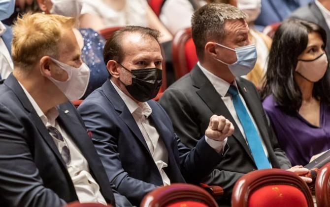 Premierul Florin Cîțu, apel către prefecți pentru a impulsiona campania de vaccinare