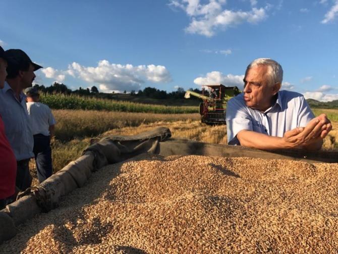 Răzvan Dumitrescu îl are drept invitat joi, 6 mai, la ora 12.00, pe ministrul Agriculturii Petre Daea.