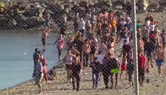 Record de migranți în exclava spaniolă Ceuta / Sursă foto: Captură Youtube