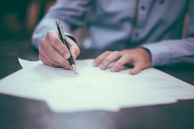 foto ilustrativ Pixabay/ Sănătatea mentală poate fi invocată pentru nerespectarea unor clauze contractuale?