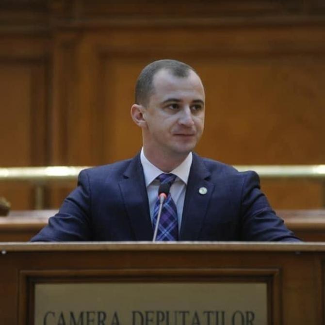 foto Facebook Alfred Simonis/ intervenție pe PNRR în Parlament