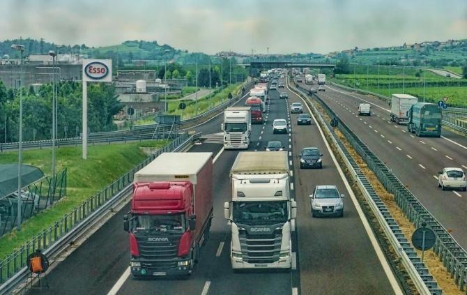 Pixabay / Al doilea șofer de camion ucis