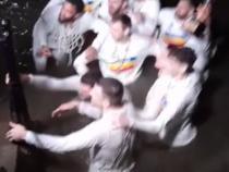 U-BT Cluj, noua campioană naţională la baschet. Jucătorii au făcut o baie în Someș în miez de noapte / Captură Video Facebook Attila Verdes
