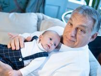 Viktor Orbán: Doar părintele poate decide în privința educației sexuale a copiilor  /  Sursă foto: Facebook Viktor Orban