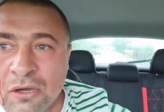 VIDEO - Activistul Buzoian, bătut de faţă cu poliţiştii de mai multe persoane. Agresorii, liberi