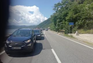 Bătaie de joc în minivacanță. Distanța între Orșova și Turnu Severin, într-o oră și jumătate. Nervi și trafic blocat