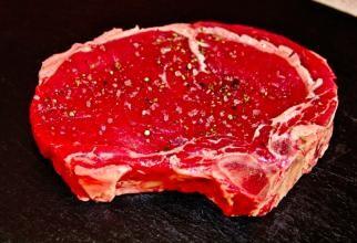 Guvernul ar trebui să ceară oamenilor să mănânce mai puțină carne