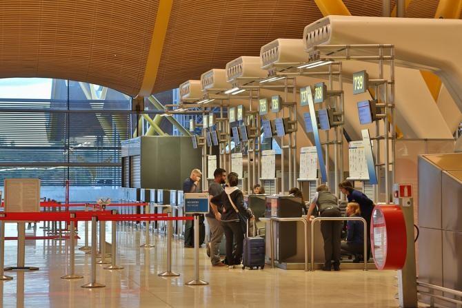 Aeroportul din Madrid / Imagine de Yong Wang de la Pixabay