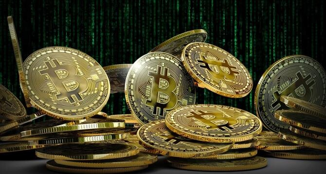 Recompensă de 4,4 milioane de dolari, plătită în bitcoin unor hackeri ruși / Foto: Pixabay