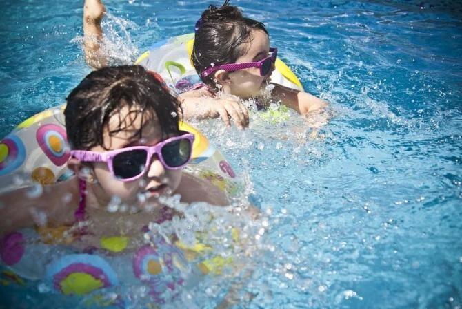 Pixabay / Șase copii s-au intoxicat cu clor în piscina unui complex de lux din Mamaia