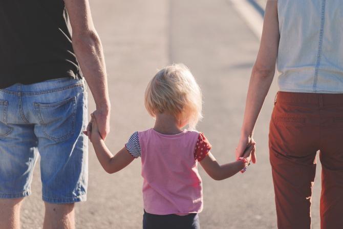 Credite nerambursabile pentru familiile cu mulți copii. Kelemen Hunor Sprijin pentru construcţia de locuinţe / Foto: Pixabay
