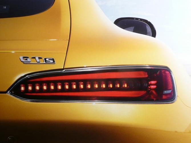 Pixabay / Daimler va produce propriile baterii pentru vehiculele electrice