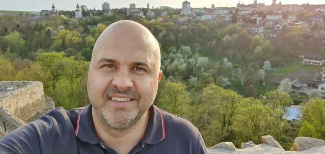 Facebook Emanuel Ungureanu