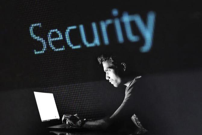 Pixabay / Un hacker român, căutat de 9 ani de FBI, a fost prins în Columbia