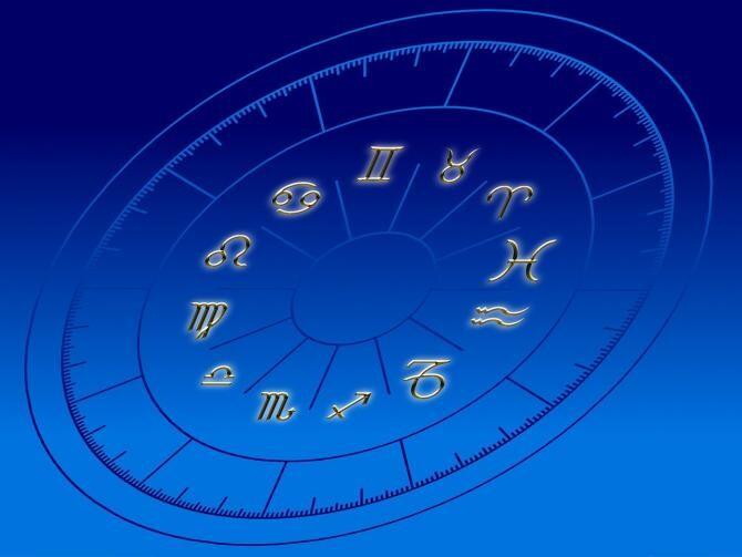 Foto ilustrativ horoscop. Imagine de Quique de la Pixabay