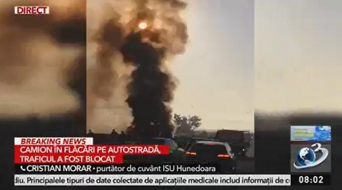 Incendiu pe Autostrada A1. Un camion arde ca o torță   /  Sursă foto: Captură Antena 3