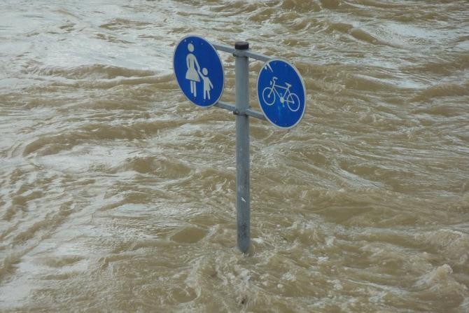 Pixabay / Mai multe persoane au fost evacuate din casele inundate